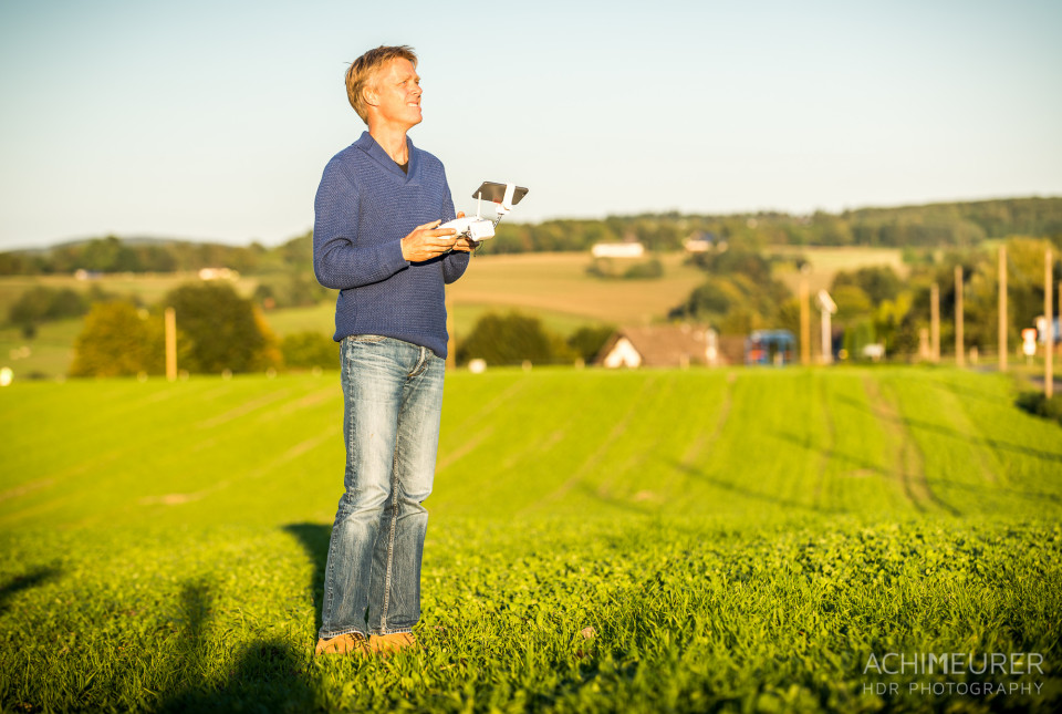 Peter mit seiner Drohne