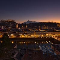 Blick über Salzburg Sonnenuntergang HDR Foto
