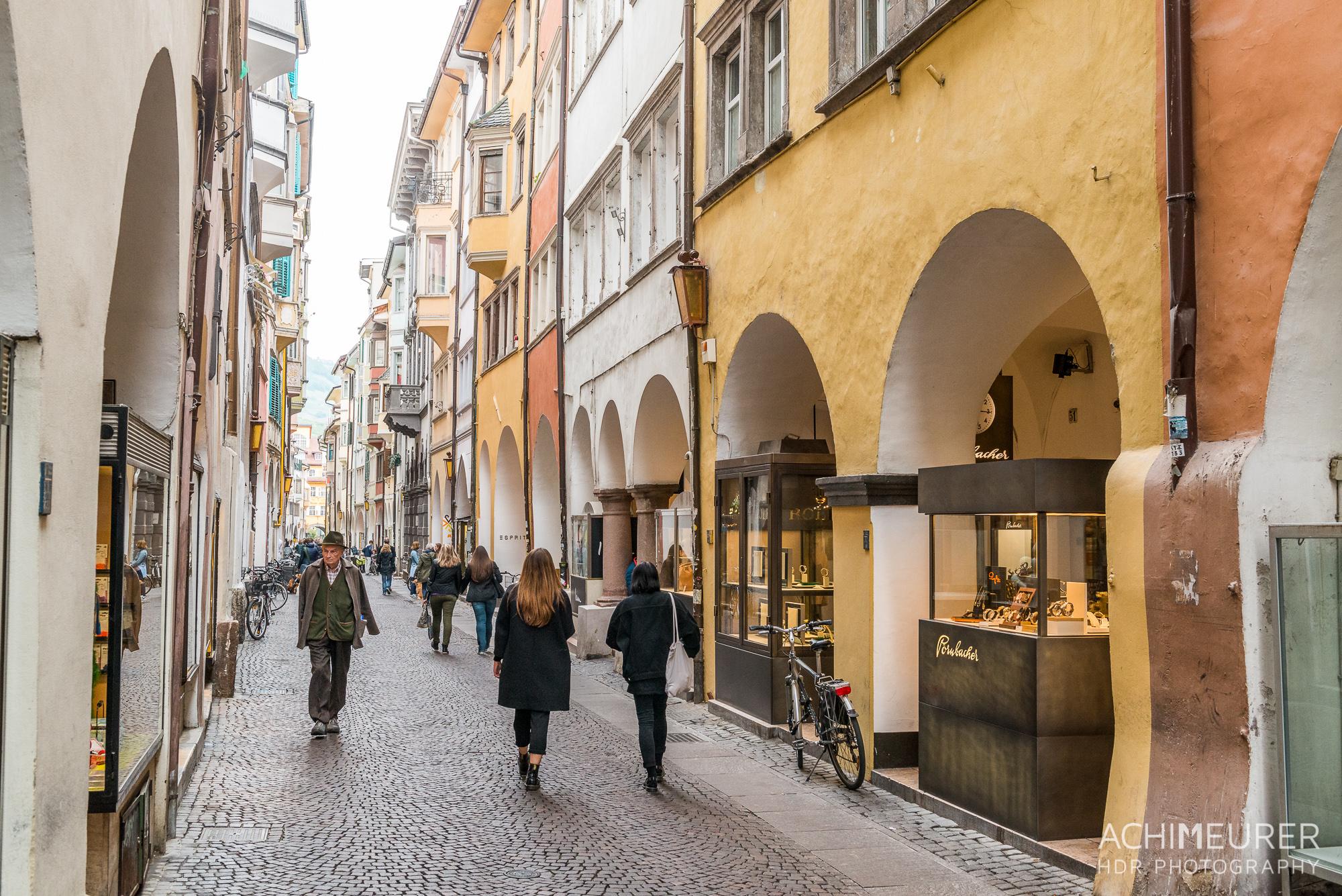 Suedtirol-Sueden-Bozen-Altstadt-Ansichten_0781
