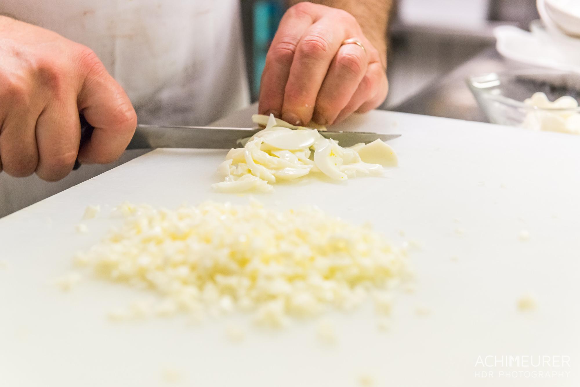 Suedtirol-Sueden-Bozen-Voegele-Kulinarik-Food-Essen-Kueche-Bozener-Sauce-Schinken-Fleckerln_1096
