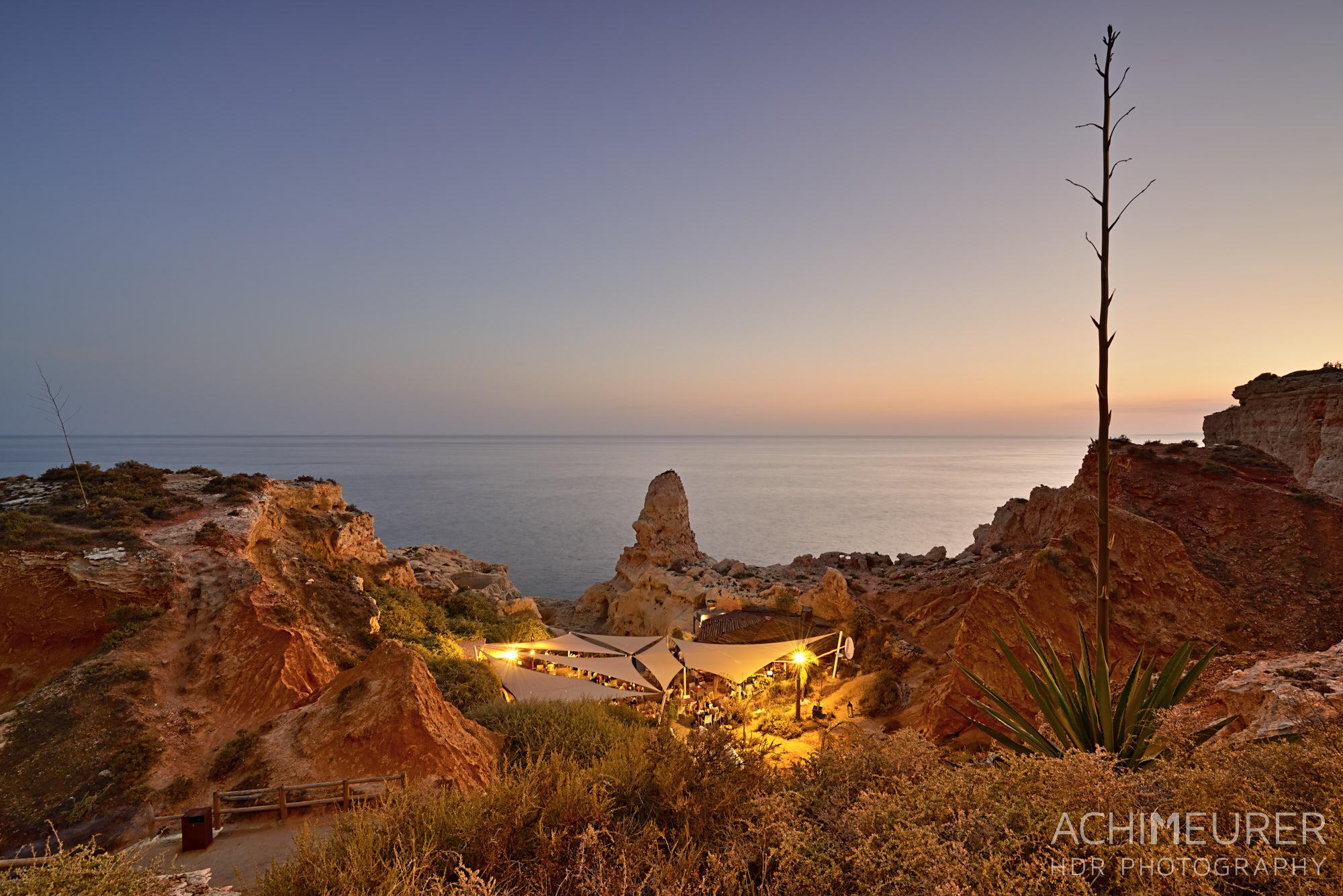 Sonnenuntergang an der Algarve in Portugal
