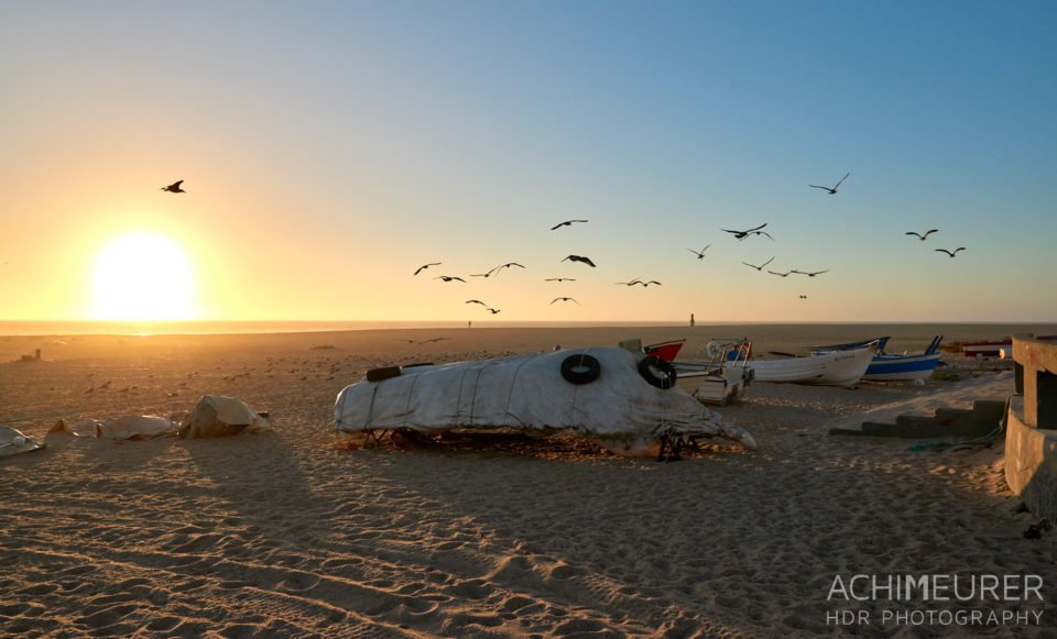 Sonnenuntergang am Strand in Aguda in der Nähe von Porto in Portugal by AchimMeurer.com .