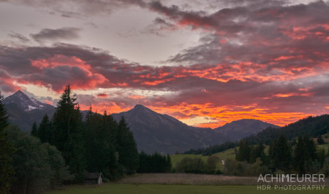 Sonnenuntergang im Tannheimer Tal im Herbst by AchimMeurer.com .
