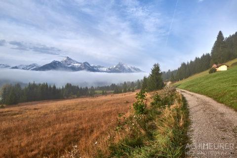 Tannheimertal-Herbst-Morgen-Stimmung-Nebel_4806 by AchimMeurer.com .