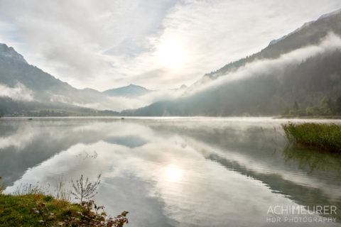 Tannheimertal-Herbst-Morgen-Stimmung-Nebel_4847 by AchimMeurer.com .