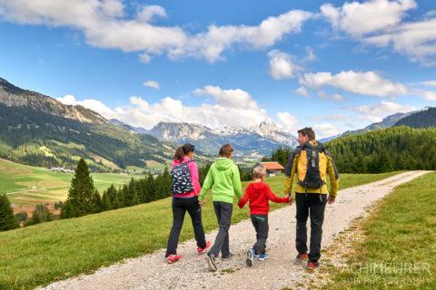 Tannheimertal-Herbst-Wandern-Familie_5466 by AchimMeurer.com .