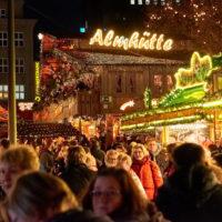 Weihnachtsmarkt in Dortmund im Ruhrgebiet by Array.