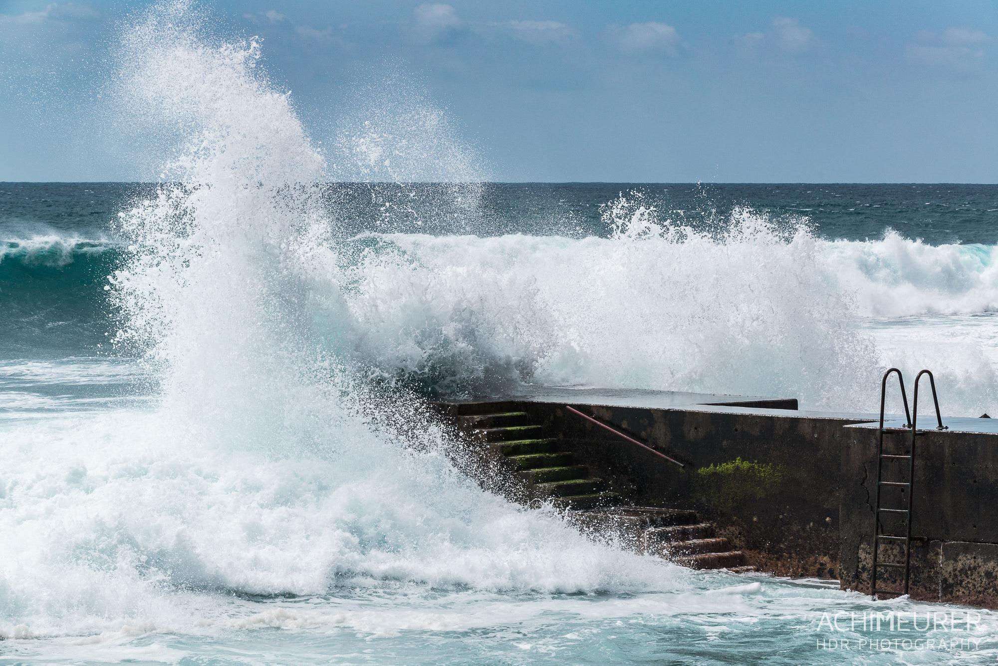 Naturgewalten - an der Küste von Madeira by Array.