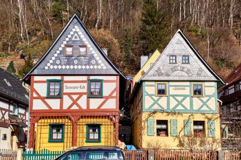 """""""Die 7 Brüder"""" - historische Fachwerkhäuse, sogenannte Umgebindehäuser, in Bad Schandau by Achim Meurer."""