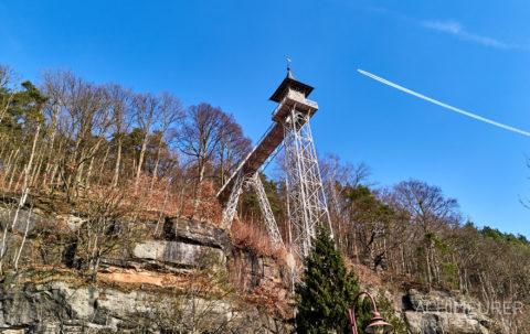 Der Aufzug zum Aussichtsturm in Bad Schandau by Achim Meurer.