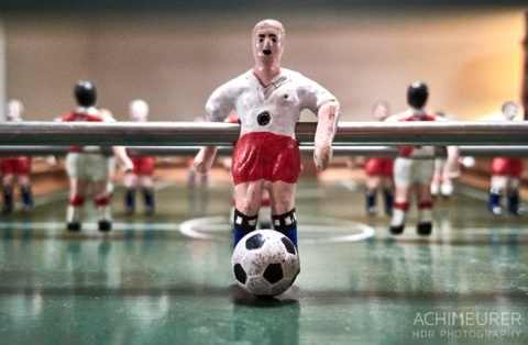 Historisches Tischfussball im Winterdorf Schmilka by Achim Meurer.