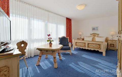 Die Zimmer im Hotel zur Post in Bonn by Array.