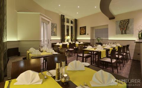 Restaurant im Hotel zur Post in Bonn by Array.