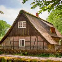 Historisches Dorf bei Bispingen in der Lüneburgerheide by AchimMeurer.com .