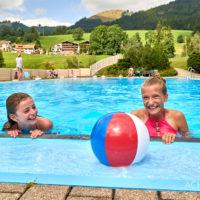 Felsenbad Jungholz, Tannheimertal, Tirol, Österreich by AchimMeurer.com .