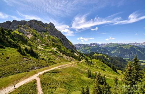 Ausblick von der Bergstation Füssner Jöchle SonnenAlm Tannheimertal by AchimMeurer.com .