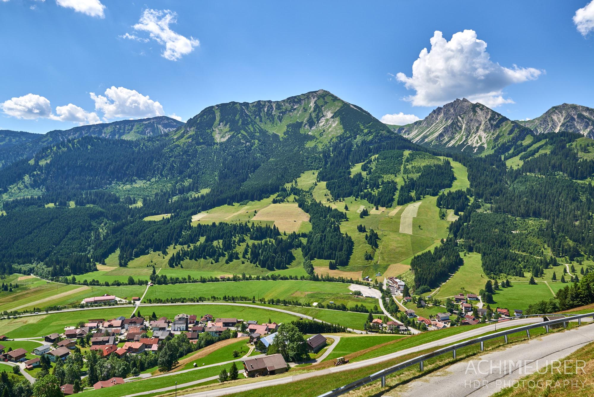 Ausblick vom Restaurant Zugspitzblick in Zöblen Tannheimertal, Tirol by AchimMeurer.com                     .