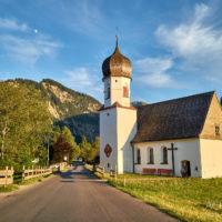 Kapelle Tannheim, Tirol, Sommer, Abend by Achim Meurer.