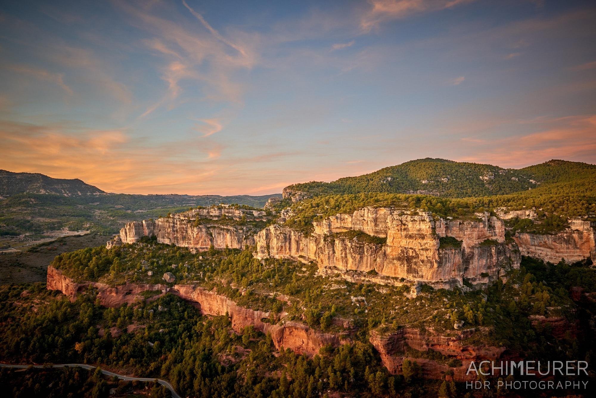 Sonnenuntergang in Siurana in den Bergen Katalonien, Spanien by AchimMeurer.com                     .