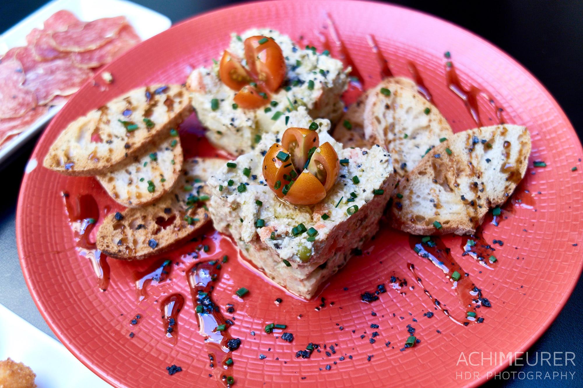 Tapas, Typisches Essen in Katalonien by Achim Meurer.