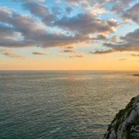 Sonnenuntergang an der Küste in der Nähe von Sitges, Katalonien, Spanien by AchimMeurer.com                     .