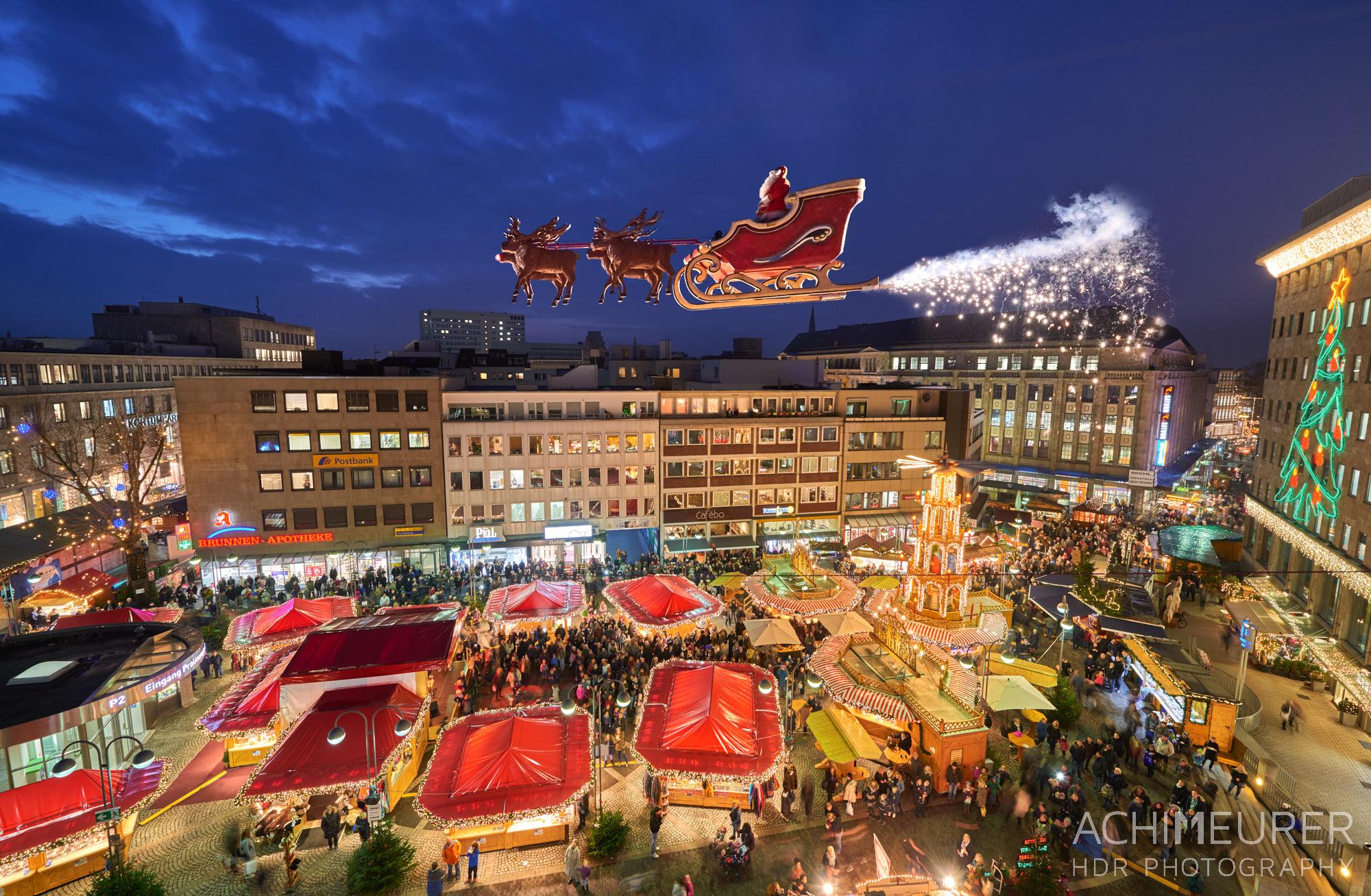 Weihnachtsmarkt in Bochum im Ruhrgebiet by Array.