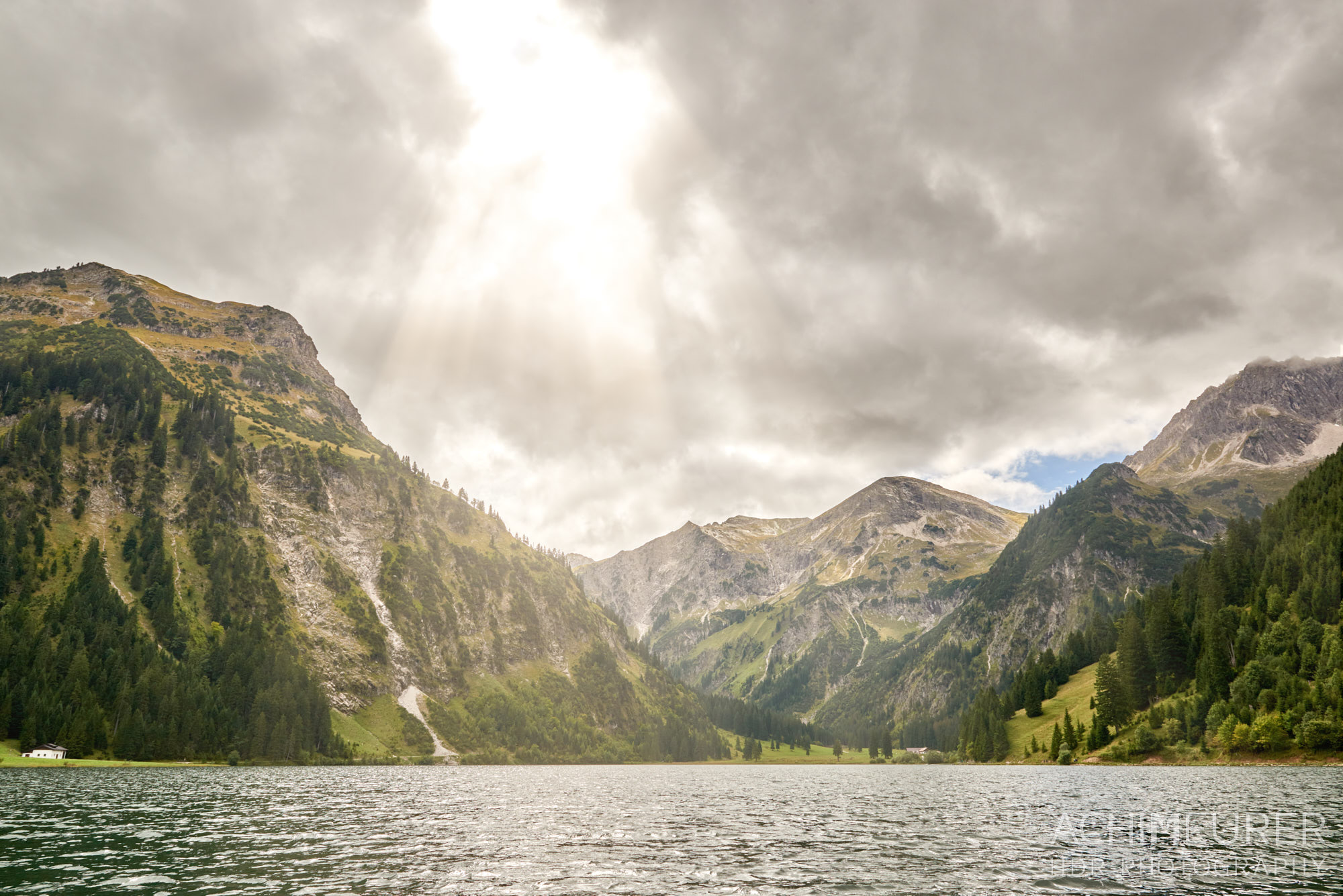 Angeln auf dem Vilsalpsee, Tannheimertal, Tirol, Österreich by Achim Meurer.