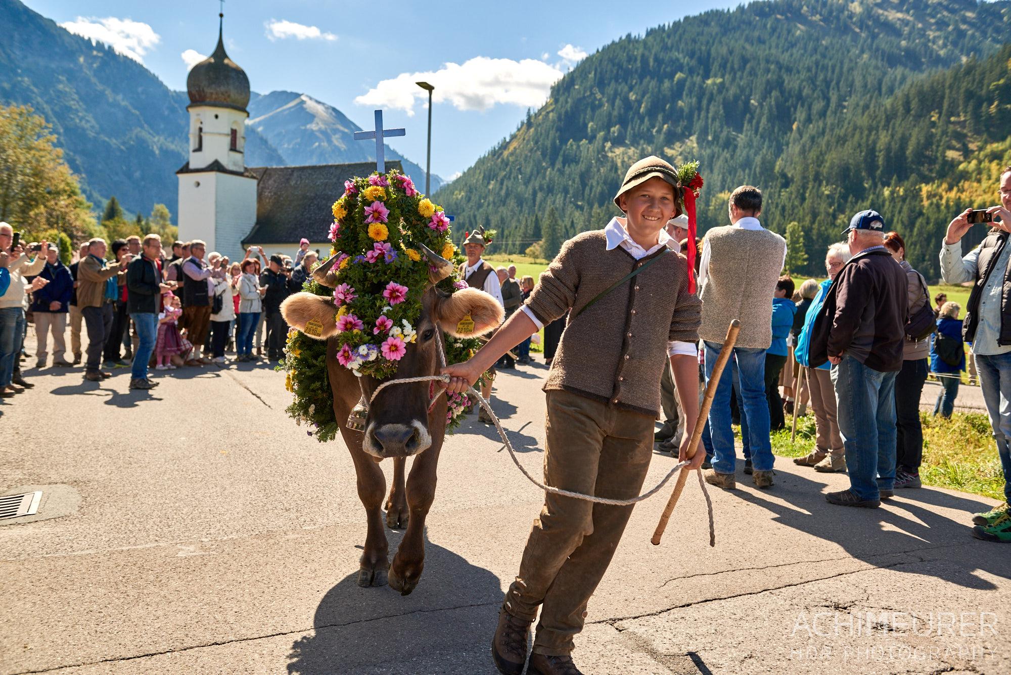 Almabtrieb Tannheim, Tannheimertal, Tirol, Österreich by Achim Meurer.