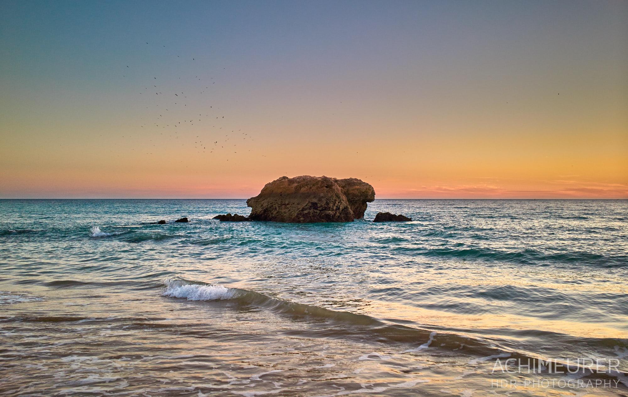 Sonnenuntergang am Strand von Albufeira, Algarve, Portugal by Achim Meurer.