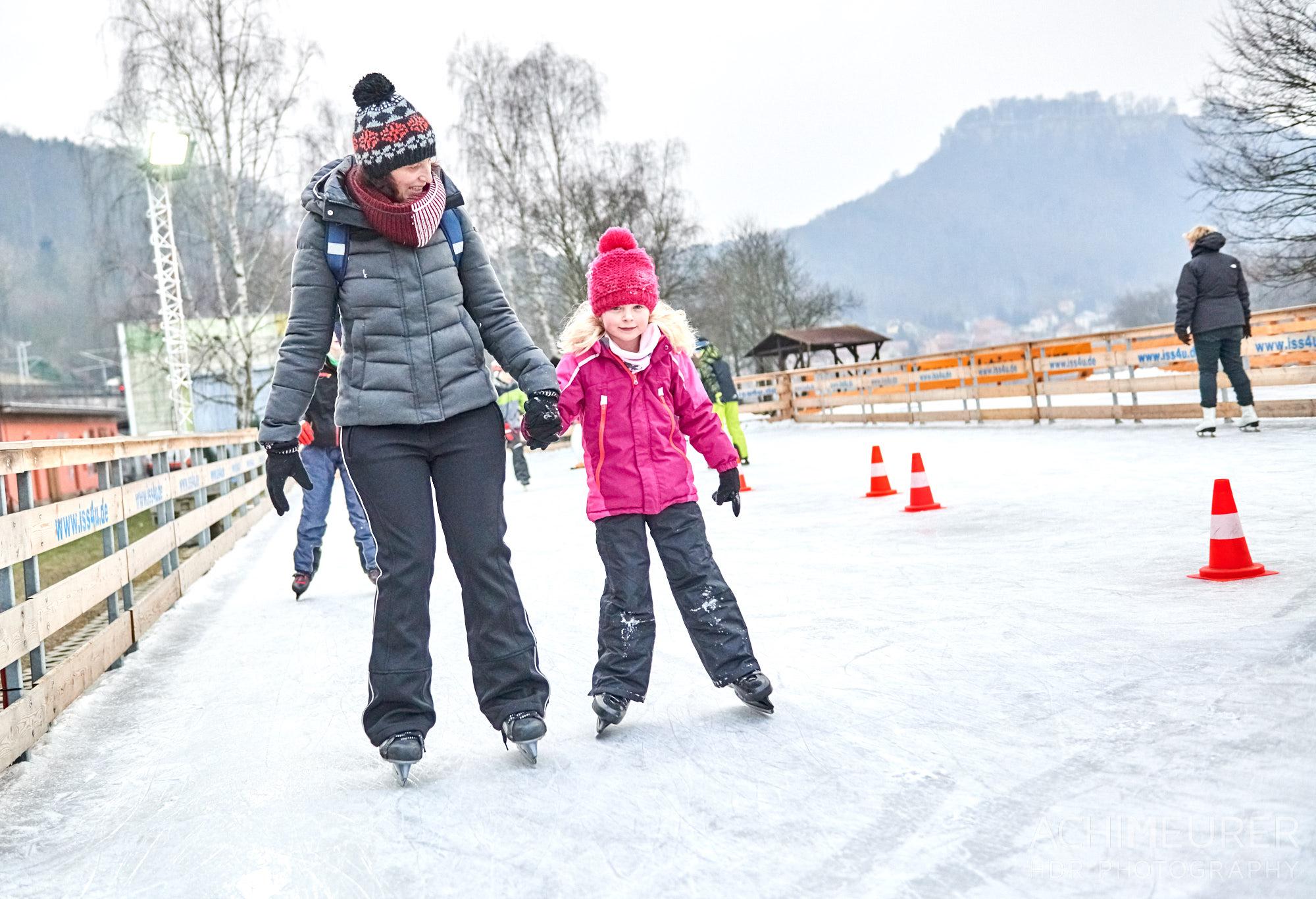 Eislaufen in Königstein, Sächsische Schweiz by AchimMeurer.com.