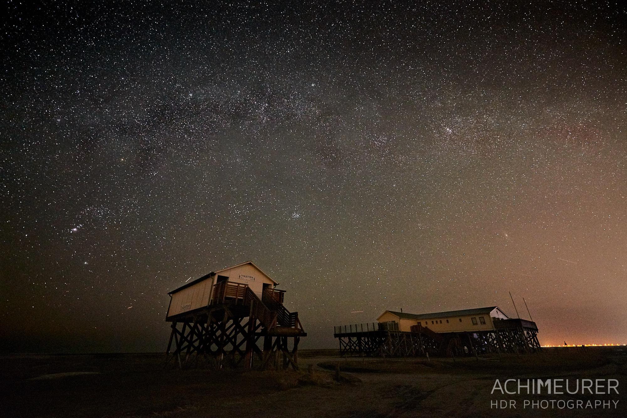 Sternenhimmel über dem Strand an der Nordseeküste in Sankt Peter-Ording by AchimMeurer.com.