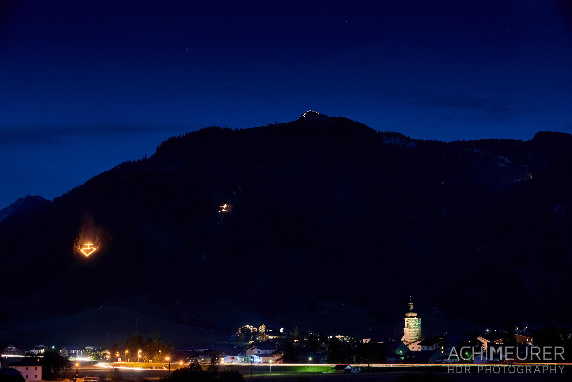 Herz-Jesu-Feuer Tannheimer Tal, Tirol, Österreich by AchimMeurer.com.